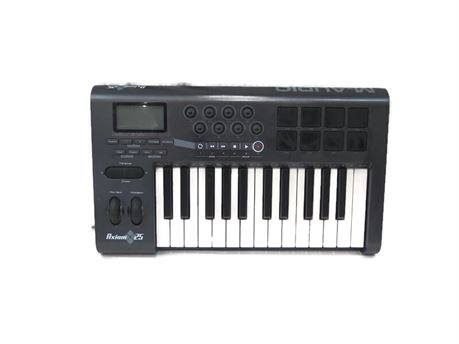 M-Audio Axiom 25 25-Key MIDI Keyboard (670)
