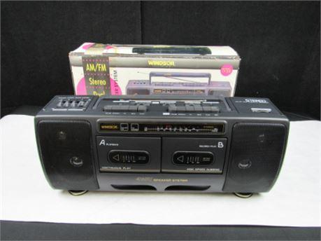 Vintage Windsor AM/FM Stereo Dual Cassette Recorder #MM189 (650)