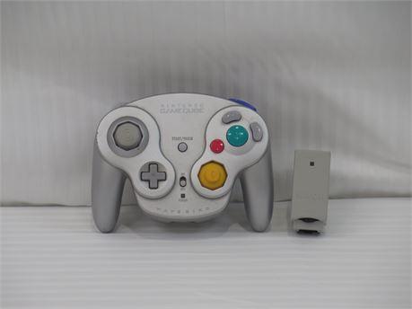 Nintendo GameCube Wavebird Wireless Controller DOL-004 w/ Receiver - Silver