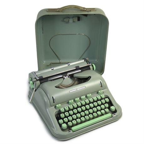Vintage Hermes 3000 Portable Typewriter Seafoam Green w/Case, Switzerland