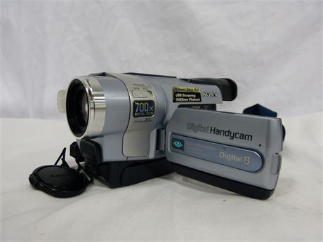 Sony Digital Handycam 8 Video Camera
