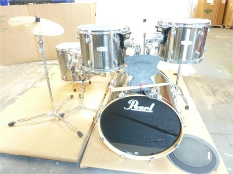 Pearl Forum Complete Drum Set;All The Bell & Whistles,Cymbals,Sticks,Covers,Seat
