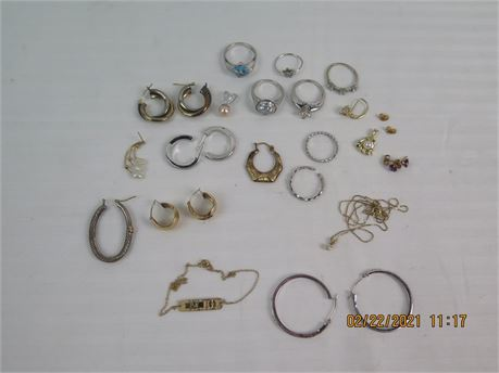 Lot of 14k Gold Jewelry - Almost All Wearable - 35.49g (670)