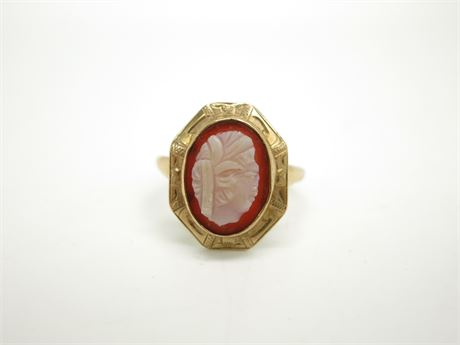 Vintage 10K Yellow Gold Cameo Ring Size 4