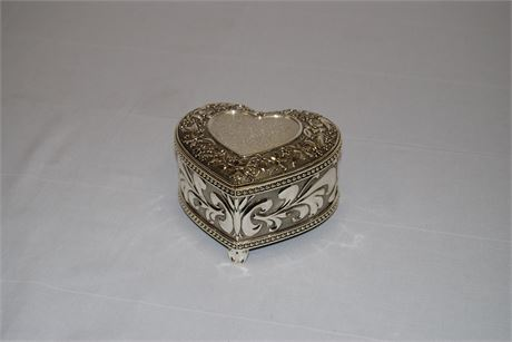 Things Remembered Musical Jewelry Box (500)