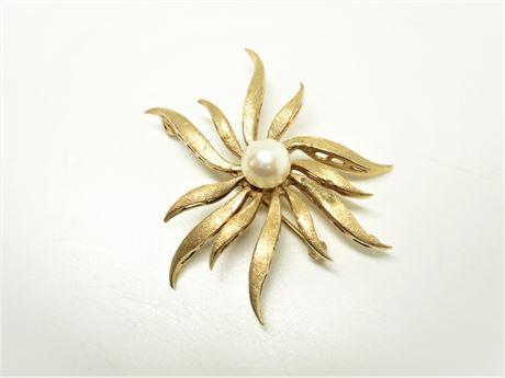Vintage 14K Yellow Gold Pearl Brooch 8.69 Grams