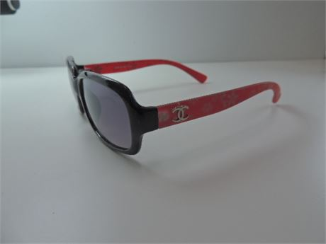 CHANEL Red Floral Sunglasses No Case