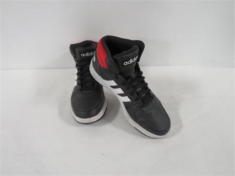 Adidas (230-LVU-UU5)