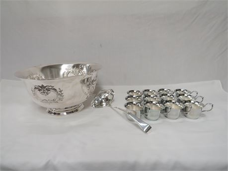International Silver Company Silver Plated 14 Piece Punch Bowl and Cups Set