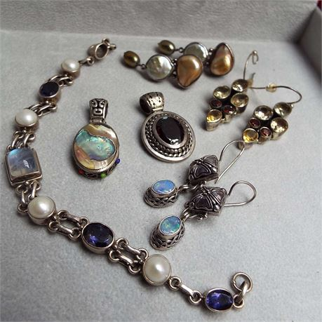 55.3 Grams Of Assorted Sterling Silver With Stones