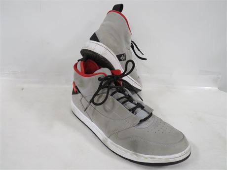 Nike Jordan's (230-LVZ-ZZ21)