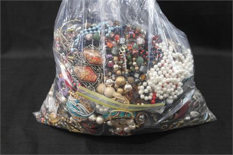 Lot of 100% Unsorted Jewelry 18.64lbs.
