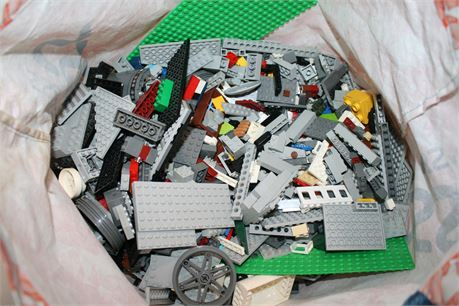 10 lbs. of Unsorted Legos