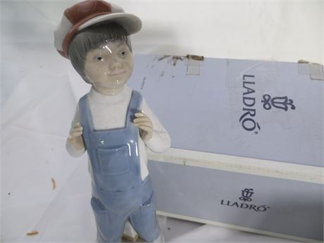 LLADRO:  4898, Boy from Madrid (Boy in Overalls with Accordion)