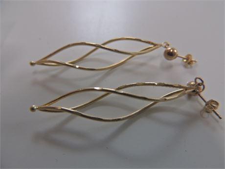 14kt Gold Swirl Earrings