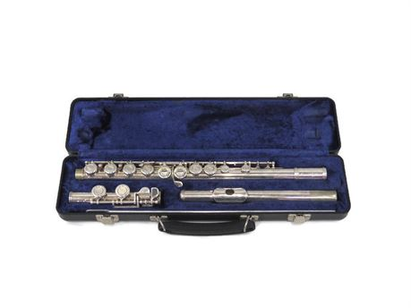 Armstrong Model 104 Student Flute w/ Case (670)