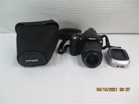 Nikon D40X 10.2MP Digital SLR Camera w/ DX AF-S NIKKOR 18-55mm 1:3.5-5.6 G II ED