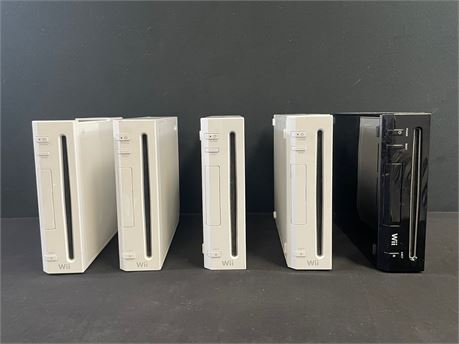 Nintendo Wii Lot, 5 Consoles in Fair Condition + Cables