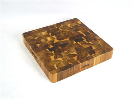 """Mountain Woods End Grain Cutting Board Carving Station 16""""x16""""x2.5"""""""