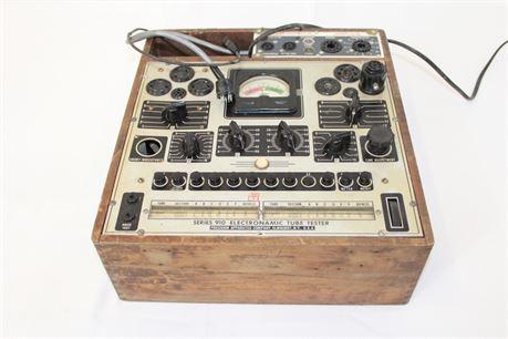 Vintage Precision Apparatus Co Series 910 Electronamic Tube Tester