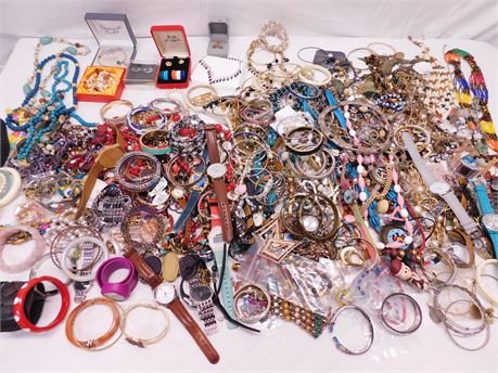 Huge Lot of Costume Fashion Jewelry 20 Pounds
