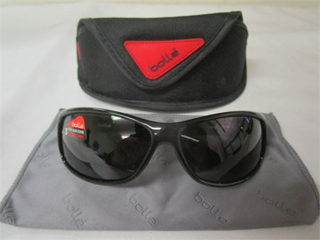 Bolle Recoil Sunglasses 10406 with Case and Cleaning Cloth - NEW