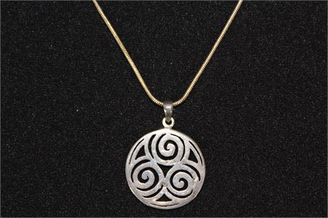 Vintage Sterling Silver Necklace w/Round Pendant