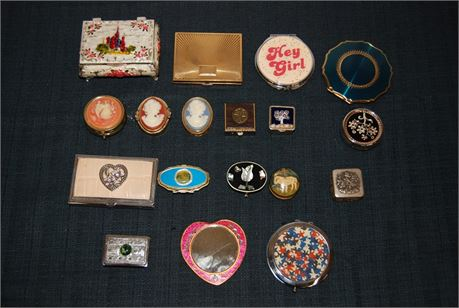 Misc. Woman's Accessory Lot (500)