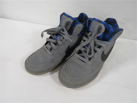 Nike (230--LV17FF)