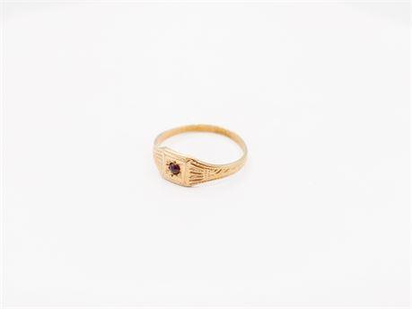 Vintage 10K Gold Children's/Infant Ruby Signet Ring (112)