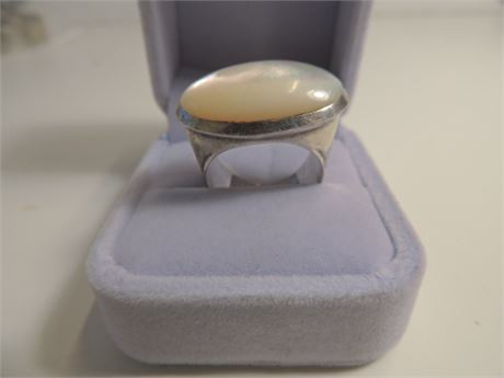 13.7 Gram Sterling Silver Mother Of Pearl Ring Size 9.5