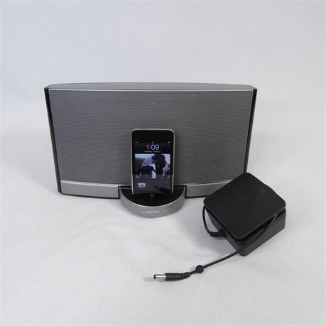 Bose SoundDock Portable Digital Music System w 16GB iPod & AC Adapter