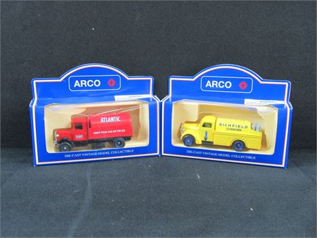Arco Car Lot w/ 2 Cars #10 (650)