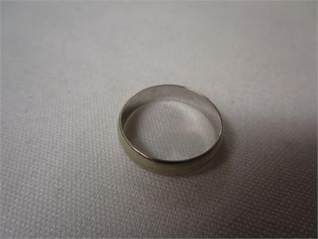 14 Karat White Gold Ring 2.73 Grams Size 7.5 - Tested w/ JSP