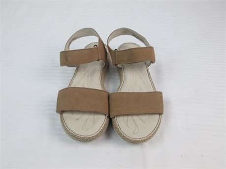Born Casual Leather Strap Sandal Size 9m
