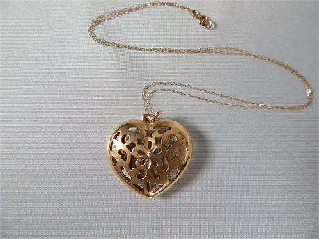 14K Gold Heart Pendant and Chain  3.6 grams (270SA/HN)