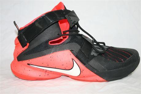 Nike Zoom Lebron High Tops, Size: 15