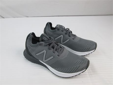 New Balance Fuelcell  Echo Mens  Size 7.5 Grey