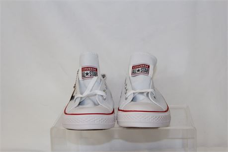 Chuck Taylor Classic Low Top White Sneakers  Size M6 W8