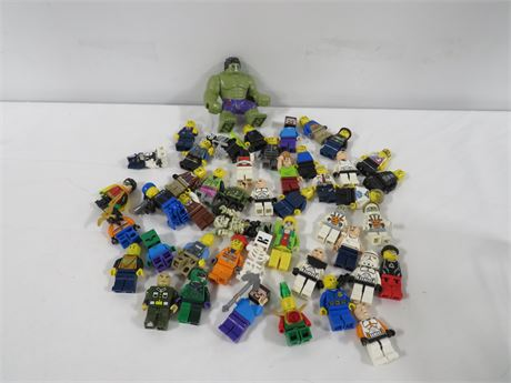 Lot of 40 Lego Mini Figures (230-LV18B)