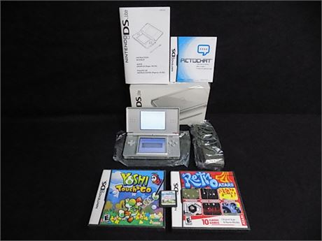 Nintendo DS Lite with 3 Games; Tested!