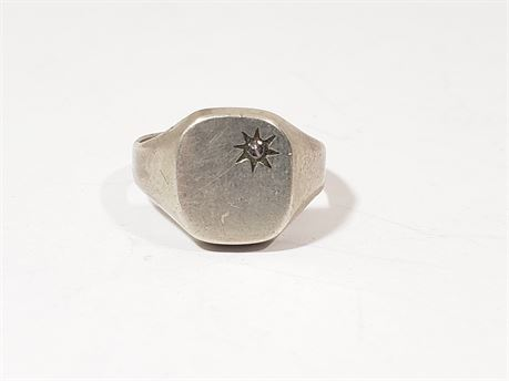 .925 Sterling Silver Size 10 Ring. 4.7 Grams Total Weight.
