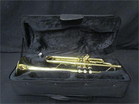 Mendini Bb Gold Lacquer Trumpet by Cecilio Includes Case