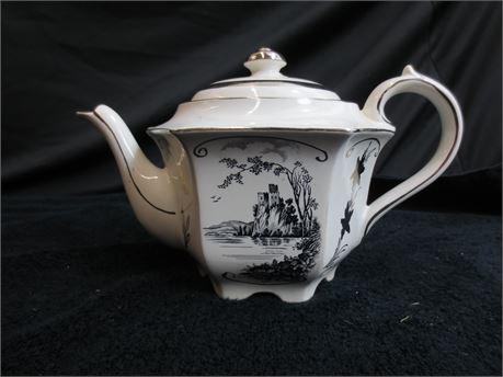 Made in England Sadler Teapot in 1841 Pattern