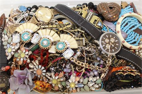 9 Lb Wholesale Jewelry Watches Rings Beads Earrings Scrap Lot