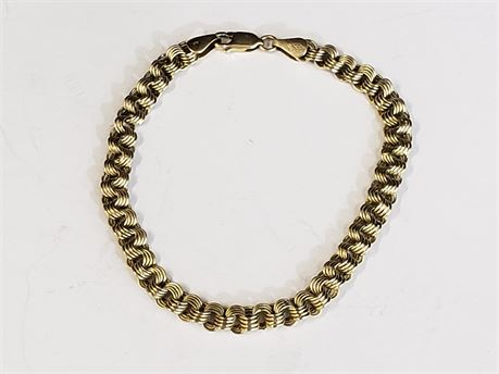 "14K Yellow Gold 8"" Bracelet. 5.5 Grams Total Weight."