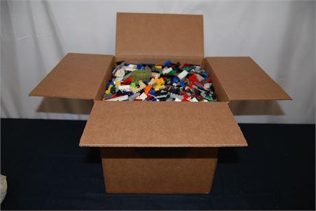 19 LB Box of Unsorted Legos (500)
