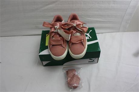 Women's Size 6.5 Puma Suede Heart Quilt Shoes
