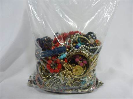 About 10lb Lot of Quick Sorted Mixed Costume Jewelry