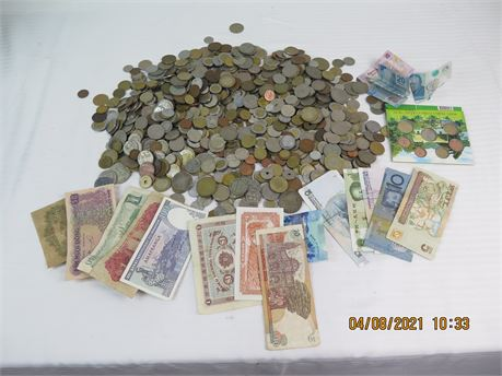 Huge 12.11 Lbs. Lot of Foreign/International Coins + Paper Money, Irish Coins